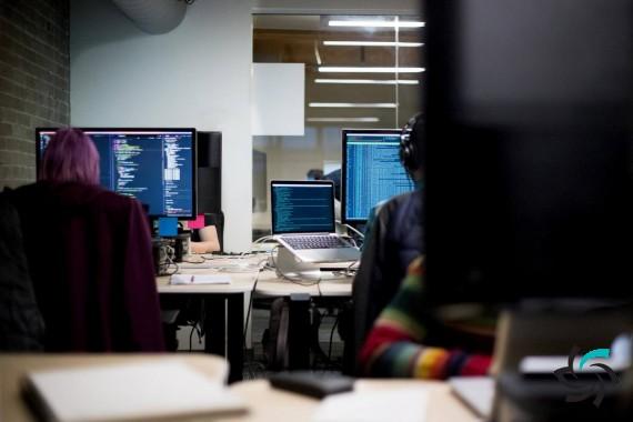 سرقت اطلاعات کامپیوتر با تغییر روشنایی مانیتور | اخبار شبکه | شبکه کامپیوتری | شرکت شبکه