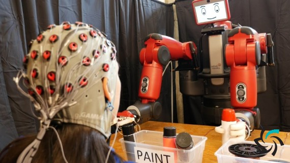 بازوی رباتیک با قابلیت کنترل توسط ذهن انسان | اخبار | شبکه شرکت آراپل